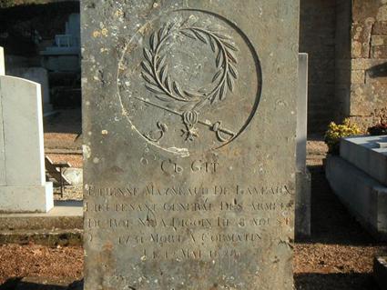 Sa tombe au cimetière de Cormatin.